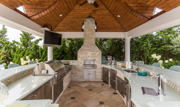 Custom Pavilion with Outdoor Kitchen