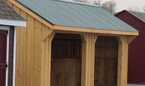 12' x 24' Quaker Horse Run In Barn (Board & Batten Siding)