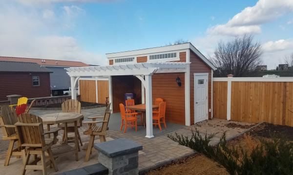 Custom 14 x 16 pool house with pergola attached