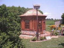 10' Homestead Garden Belle (mushroom board siding w/stone)